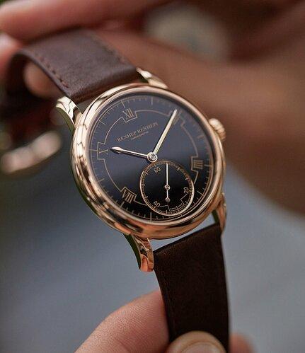 AkriviA_Rexhep_Rexhepi_Chronometre_Contemporain_Rose_Gold_A_Collected_Man_London10_2048x2048