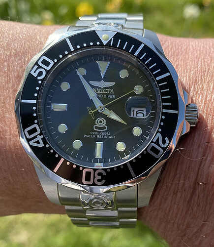 Invicta Grand Diver 27610 300 M