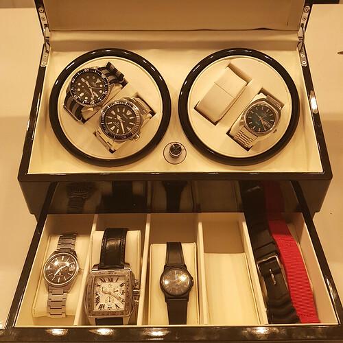 Horlogesjamesfbaker