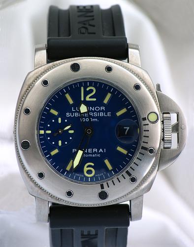 Panerai Luminor Submersible La Bomba