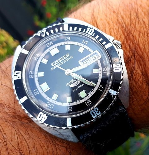 Citizen-Seven-Star-Diving-Watch-100M