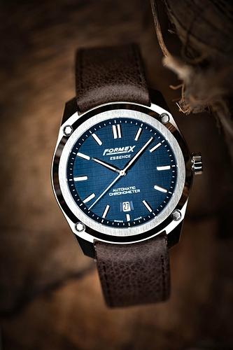 formex-essence-automatic-chronometer-blue-4-1068x1600