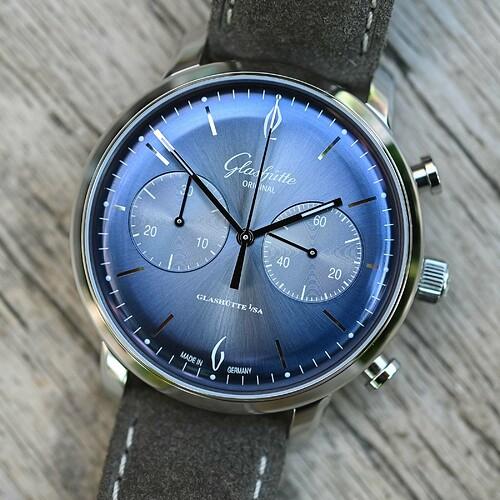 Glashutte-Original-Sixties-Chronograph-Annual-Edition-Glacier-Blue-2020-6