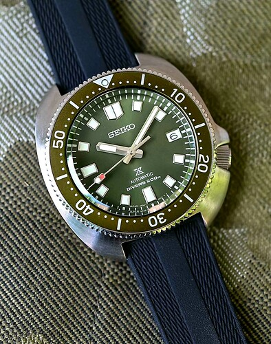 Seiko-Prospex-Diver-Captain-Willard-Turtle-Reissue-SPB153-Green-2