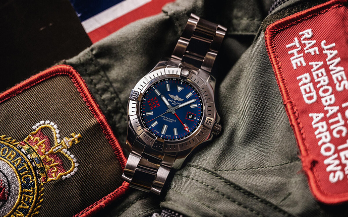 Breitling-Avenger-Royal-Air-Force-Red-Arrows-Limited-Edition-2
