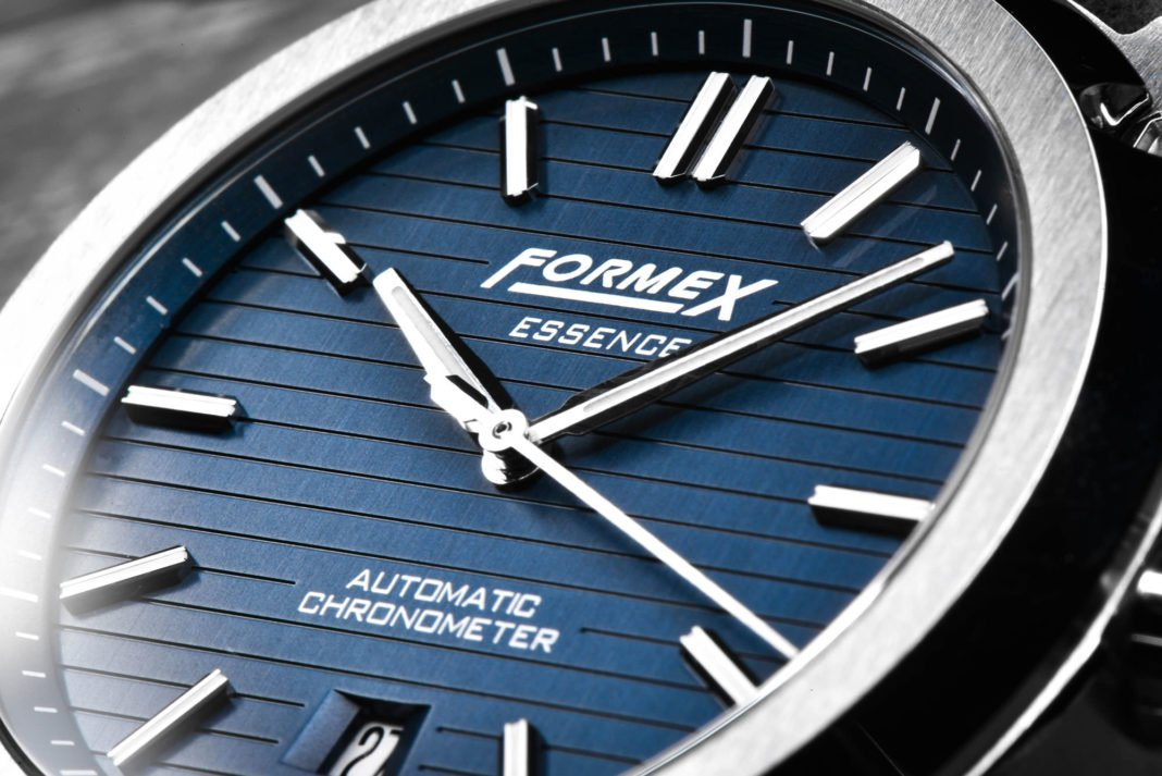 formex-essence-automatic-chronometer-blue-8-1068x713